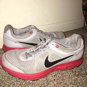Worn women's size 9 Nike sneakers